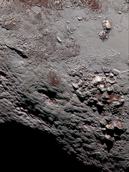 10. 冥王星上的賴特山「冰火山」詳細資料: 寬90英里, 高2.5英里。