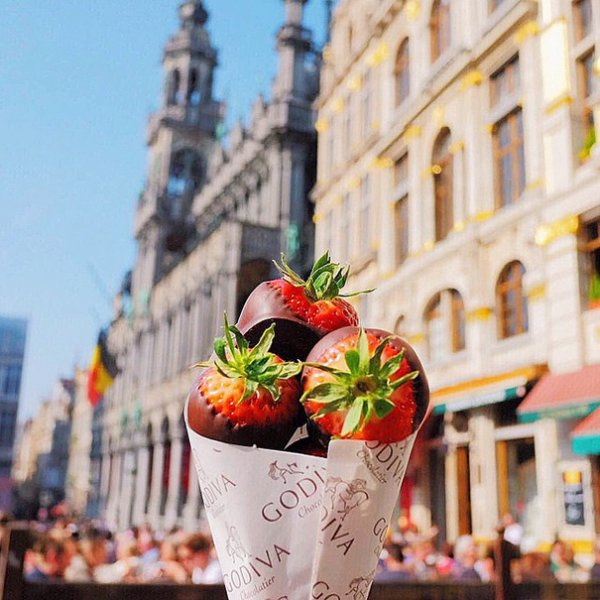 3. 草莓蘸巧克力, 比利時