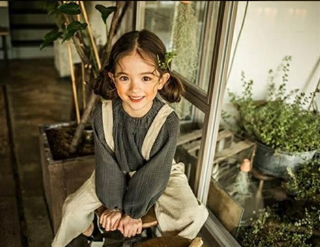 目前年僅7歲的小蘿莉Louie Tucker,中文名為崔路易,生於2009年,擁有英國與...