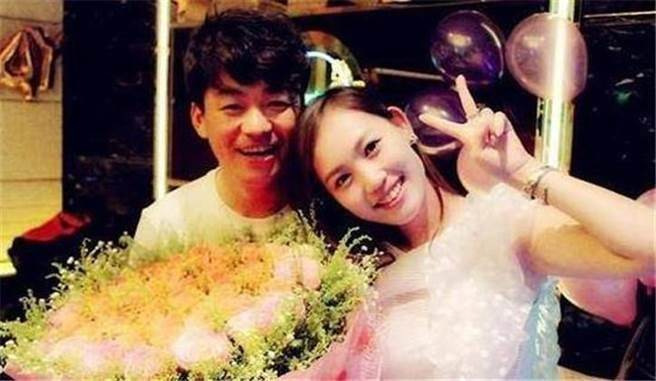 網友翻出先前王寶強在2013年生日遇到死亡車禍、險些命喪大貨車輪下所發...