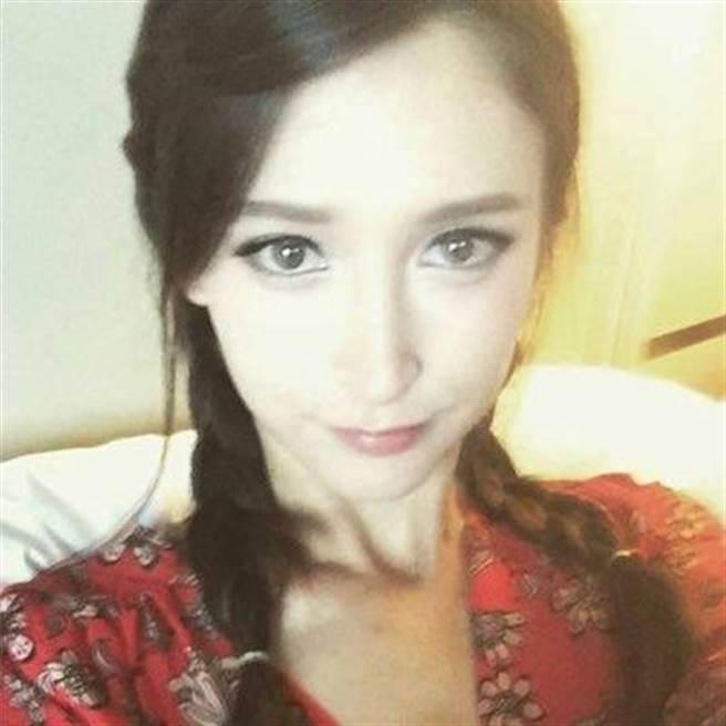 如今已淡出演藝圈的莉亞,與女兒定居於美國,並時常在推特上更新生活照...
