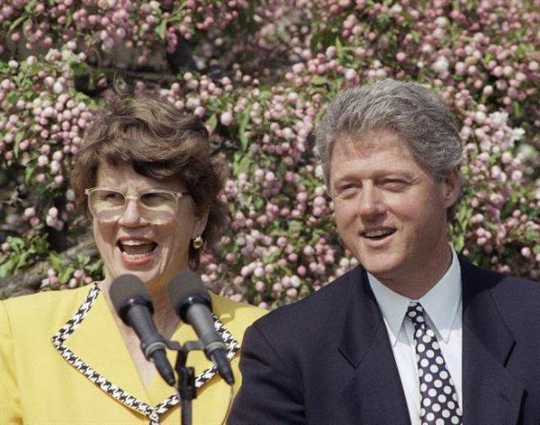李諾生前經手過多起爆炸案,包含1993年世界貿易中心(World Trade Center)爆...