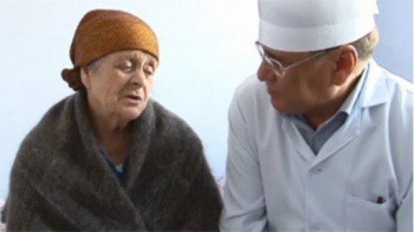 在過去的幾年,喀拉蚩村的幾百個居民就通報不自覺地陷入昏睡。<br /> <...