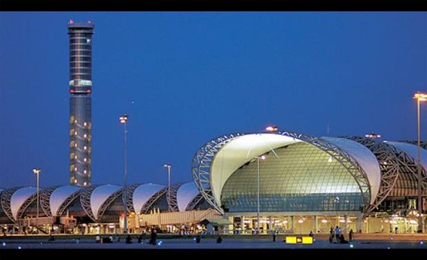 2. 全球最高的的機場控制塔位於泰國新曼谷國際機場,控制塔高達434英尺。