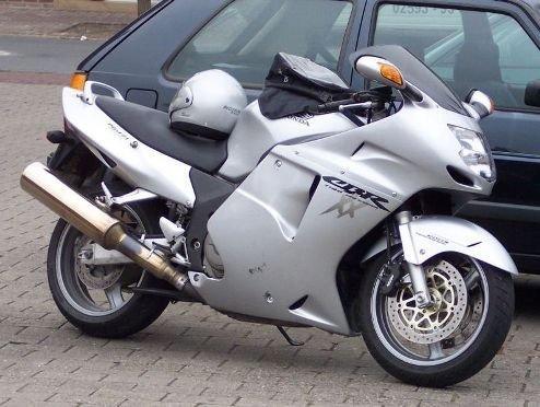 1. MTT 渦輪Y2K超級摩托車 ( 時速227英里 )