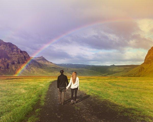 只要他们所发现的地方被认为是绝佳结婚地点, 他们都会去探索
