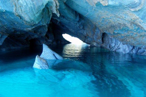 7. 巴塔哥尼亞,布宜諾斯艾利斯湖的大理石洞穴