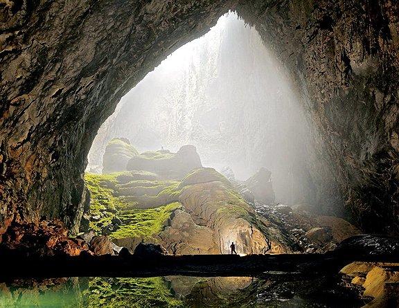 韓松洞是全世界最大的洞穴, 可以容納紐約市整棟40層樓高的大樓。<br />