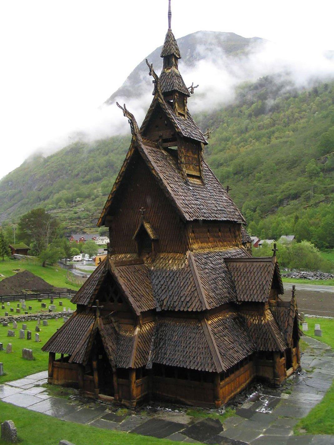 5. 博爾貢木板教堂
