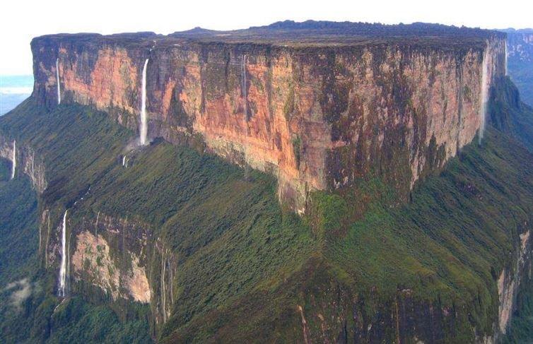 3. 羅萊馬山, 委內瑞拉/蓋亞那/巴西