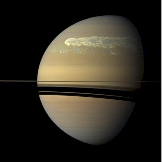 4. 人們很容易忘記土星的光環是多麼的薄, 直到你們看到它的邊緣。