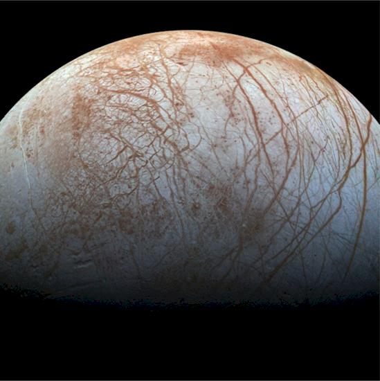 3. 木星的衛星歐羅巴布滿縱橫交錯的裂縫, 像是被勺子撞破的水煮蛋。
