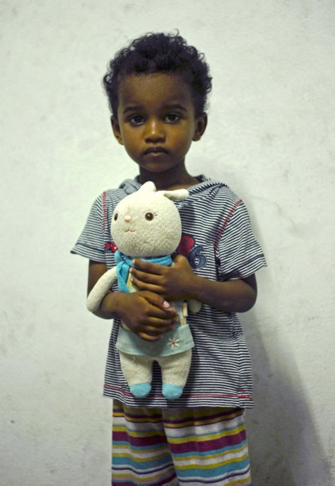 這個玩具是相信是他已故的父親所贈送。
