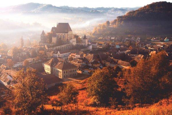 7. 別爾坦村的秋天晨霧