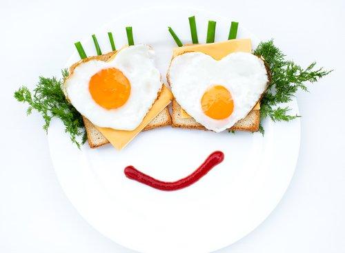 8. 吃早餐