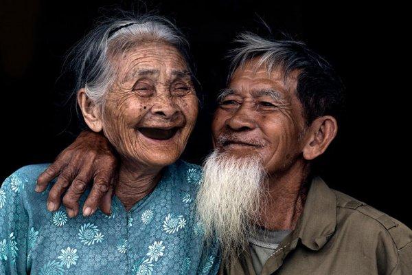住在茶闕村的老夫婦