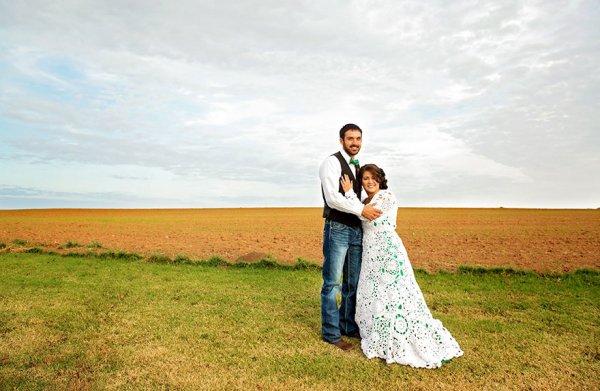 22歲的艾比∙拉米雷斯-博德利在努力尋找預算內的婚紗。