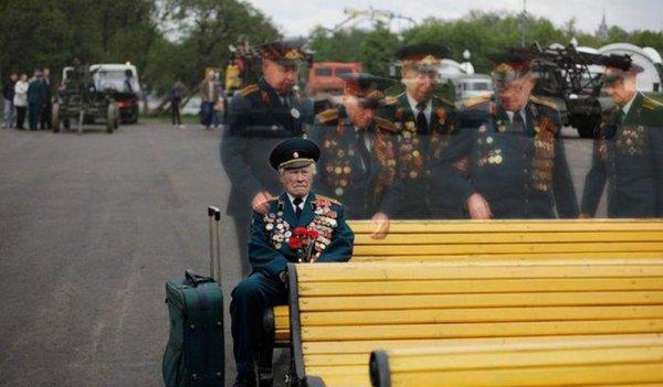如果你喜歡第二張照片, 這是越戰紀念碑的強大畫作, 出自李特特爾(Lee T...