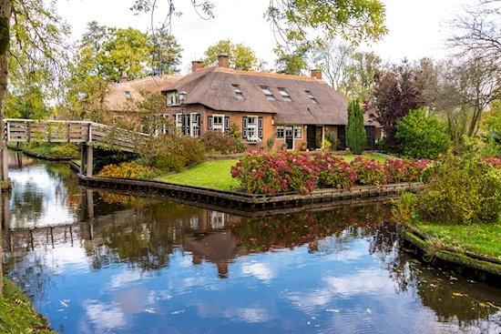 8. 荷蘭, 羊角村