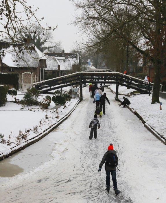 這座村莊也被稱為「荷蘭威尼斯」, 成立於大約1230年。