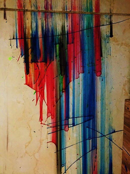 10. 從樓上跌下來的油漆, 看起來比實際創作更有藝術感