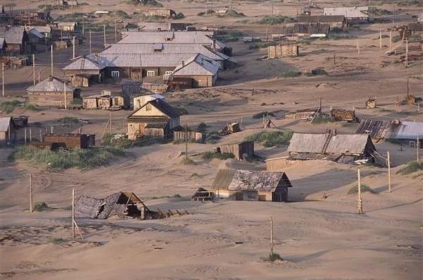 因為現在紹伊納被沙子埋沒著,而這些沙子長達好幾公里,變成了一個沙漠...