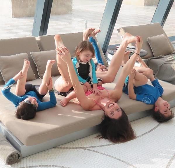 把健身融入家務及跟照顧孩子,除了能夠使自己變得更年輕更美麗,還能跟...