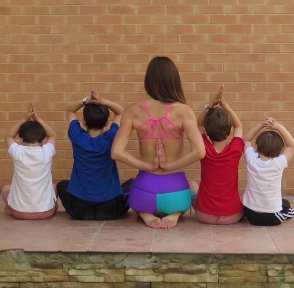 好身材都是付出時間和努力得到的,不關乎孩子和年齡。