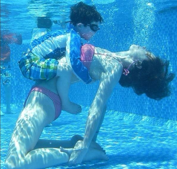 連游個泳,痴迷健身的媽媽也不消停!