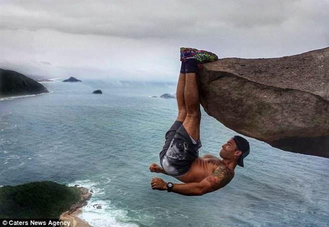 現年27歲的坎德拉(Luis Fernando Candela)來自巴西里約熱內盧,是一名防暴警...
