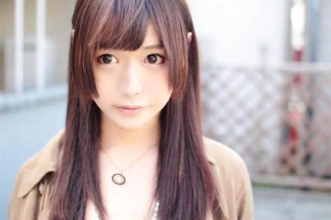 大島薰經常以「驚人的女性化」外貌受到網友關注(圖/大島薫twitter)