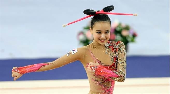 雖然部分韓國媒體認為,孫延在此次里約奧運拿獎機會不大,不過其萌樣及...