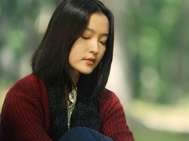杜鵑,1982年9月15日出生於中國上海,畢業於上海戲劇學院戲曲舞蹈分院,...