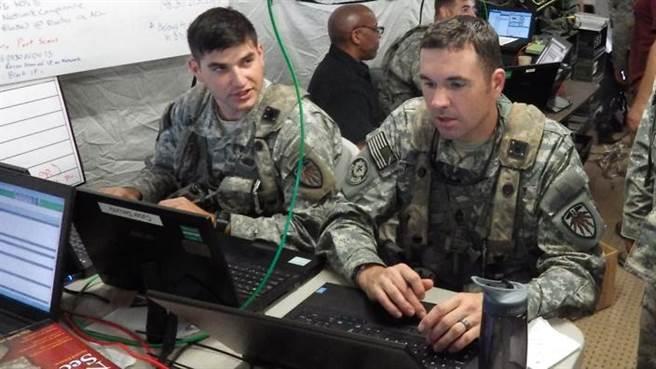 在軍事專家的眼中,根本不用直接朝核彈頭拍,只要拍到相關設備與分布圖...