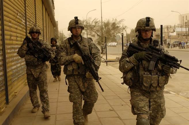 1999年、2001年和2003年,美國先後發動了科索沃戰爭、阿富汗戰爭和伊拉克戰...