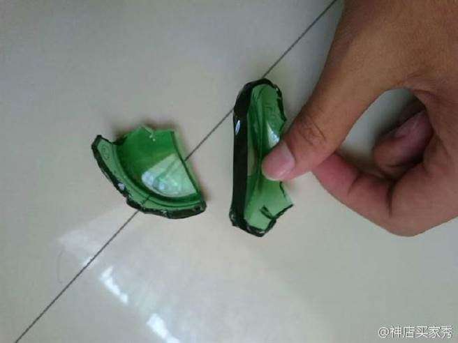 網友表示,想要一枚祖母綠戒指,首先要找一瓶玻璃啤酒瓶,並將其打碎,...