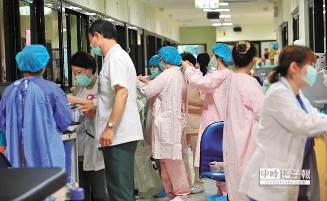 3,醫護人員不得在醫院吃鳳梨及芒果