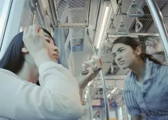 日本東急電鐵(東京急行電鐵)最近推出一系列廣告,推廣火車禮儀,但其...