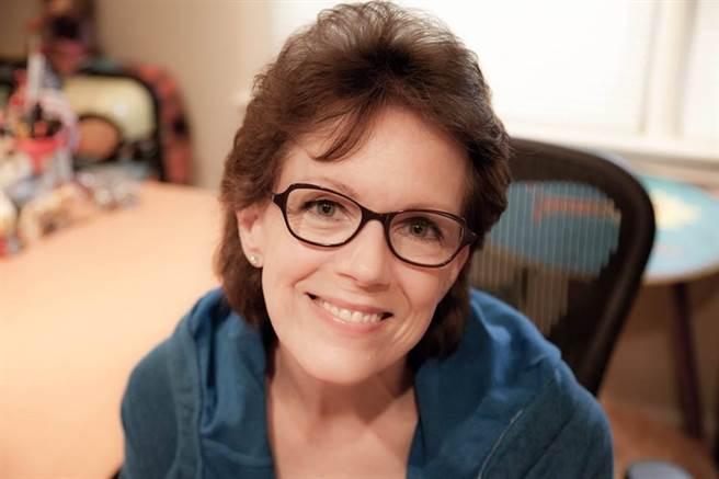 貝內特表示,她在2005年開始為Siri錄製語音,在一開始的時候對於在iPhone上...