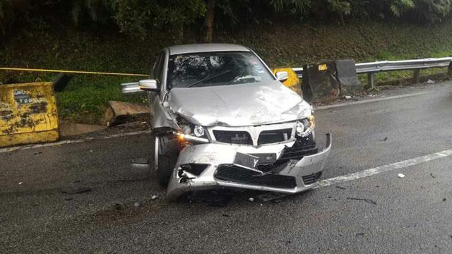 車禍的發生導致 Ying 的國產車損壞不堪。