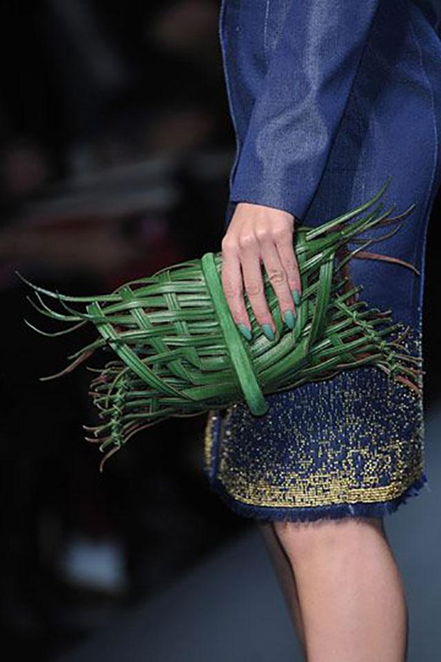 你能想像這些包包都放上 Hermes 的 logo 嗎?或者這樣問,你會去買這樣的包...